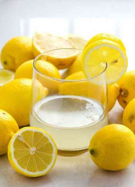 Detox your liver with a glass of water in the morning with lemon juice