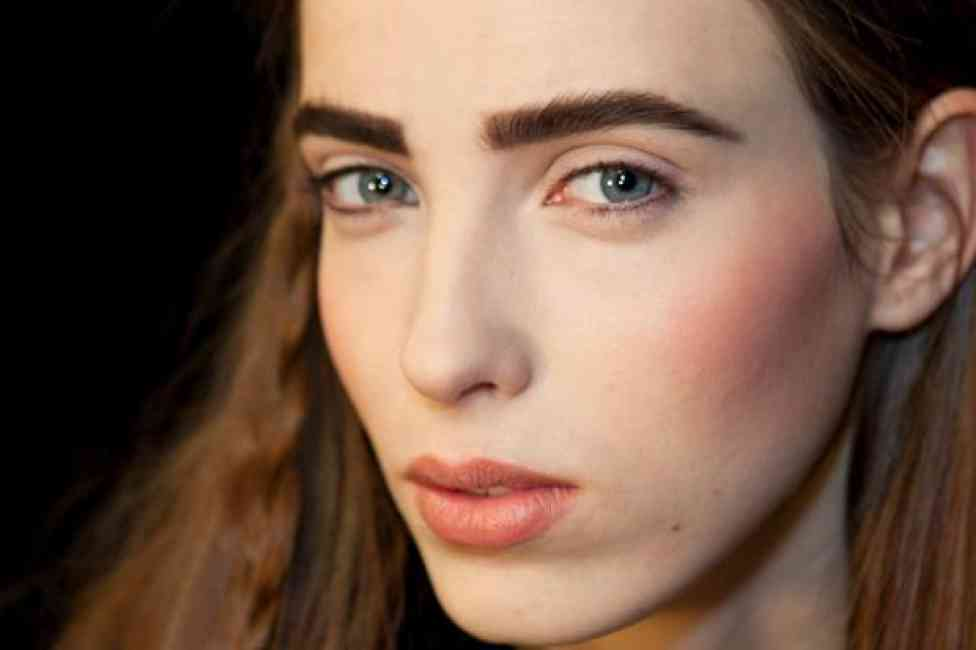 Strong eye brows, backstage beauty at NY fashion week 2017