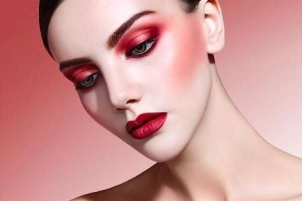 Red BEAUTY NEWS