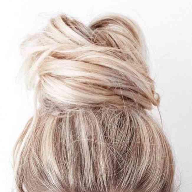 Messy blonde bun.