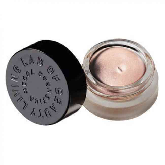 Cheek highlighter for the face