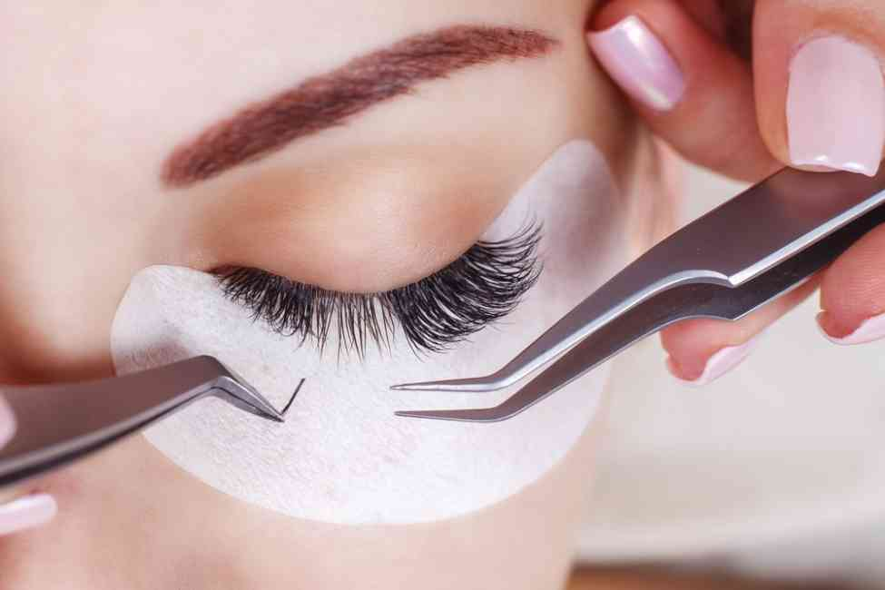 Lash Love: Extensions or Falsies
